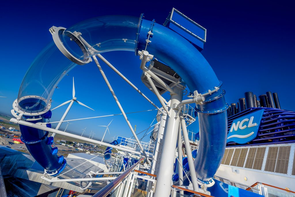 NCL Bliss Aqua Loops waterslide